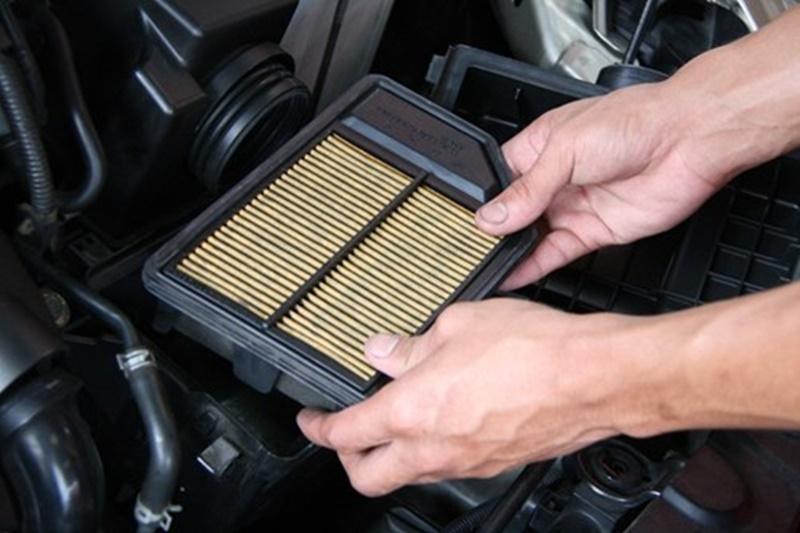 Khi nào cần thay lọc gió trên ô tô?